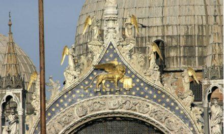 Monumentos italianos en manos de la moda