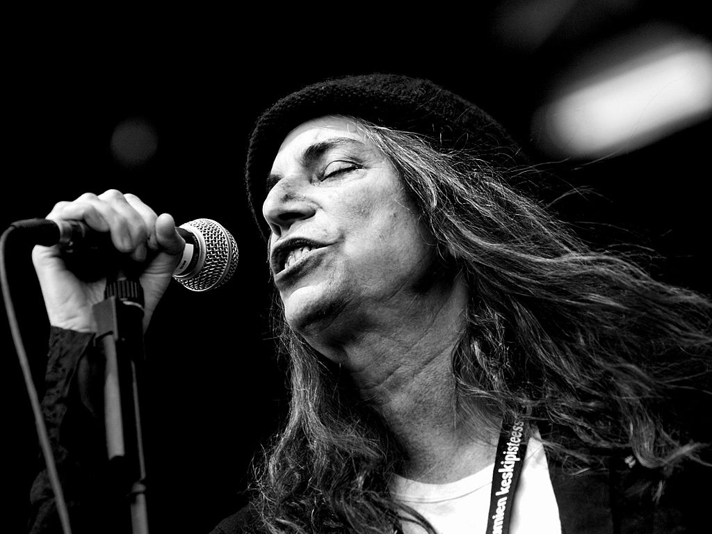 Patti Smith actuando en Finlandia en 2007. Author Beni Köhler. Foto de wikimedia commons