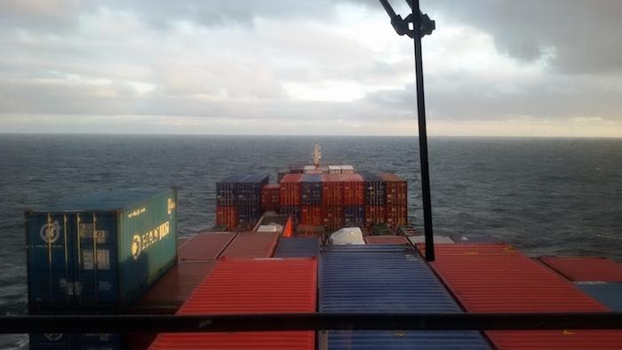 MV Pegasus surcando el mar