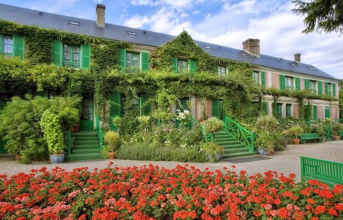Fachada de la casa de Claude Monet Foto © Fondation Claude Monet – Giverny