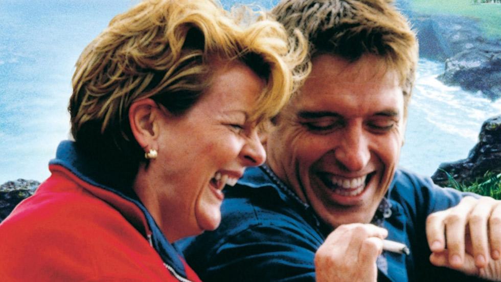 """Fotograma de la película """"El jardín de la alegría"""" (Nigel Cole, 2000)"""
