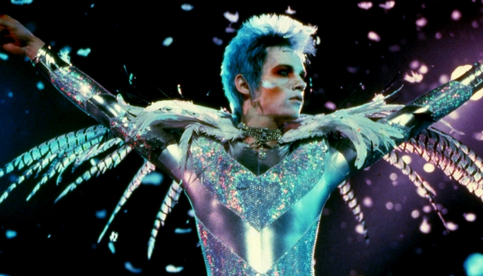 Velvet Goldmine, 1998. Dirigida por Todd Haynes. Zenith Productions / Killer Films Production / Single Cell Pictures