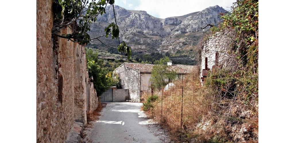 Llombai (Alicante). Foto de Faustino Calderón para su blog  Pueblos deshabitados