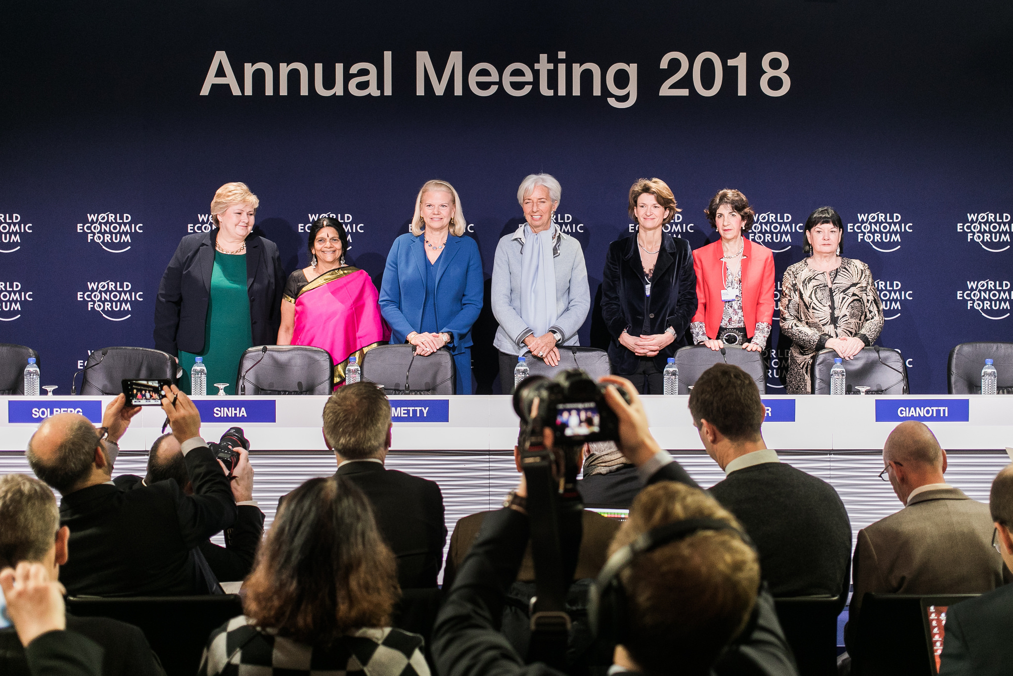 Rueda de prensa de presentación del consejo del Foro de Davos 2018. Copyright by World Economic Forum / Jakob Polacsek