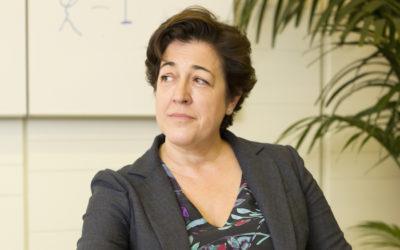 Elena Pisonero se dedica a conectar a las personas desde lo más alto