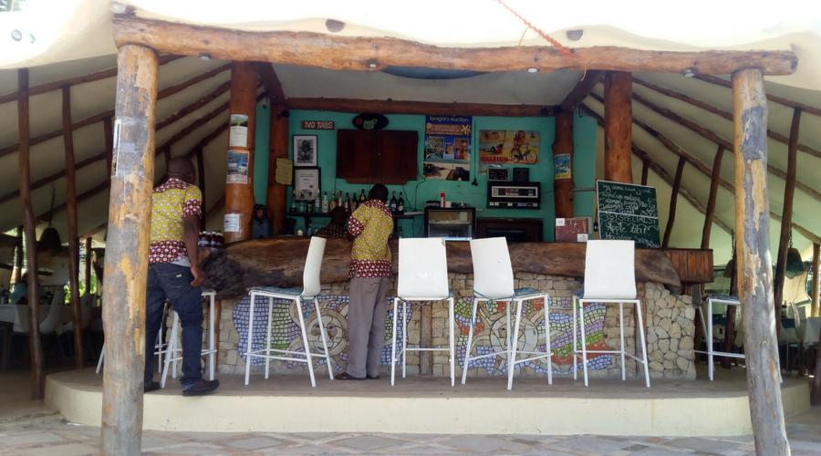 restaurante Casbah  a pie de playa en Vilanculos norte