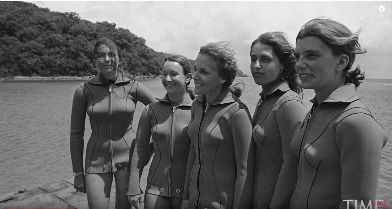 @SylviaEarle y su equipo femenino de submarinistas en la presentación del proyecto Tektite II, julio 1970