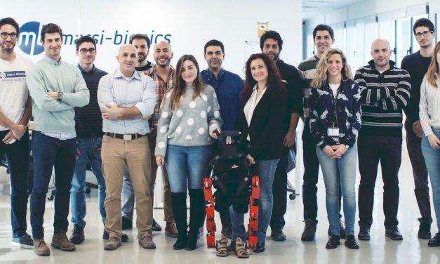 Elena García crea un robot para los más pequeños