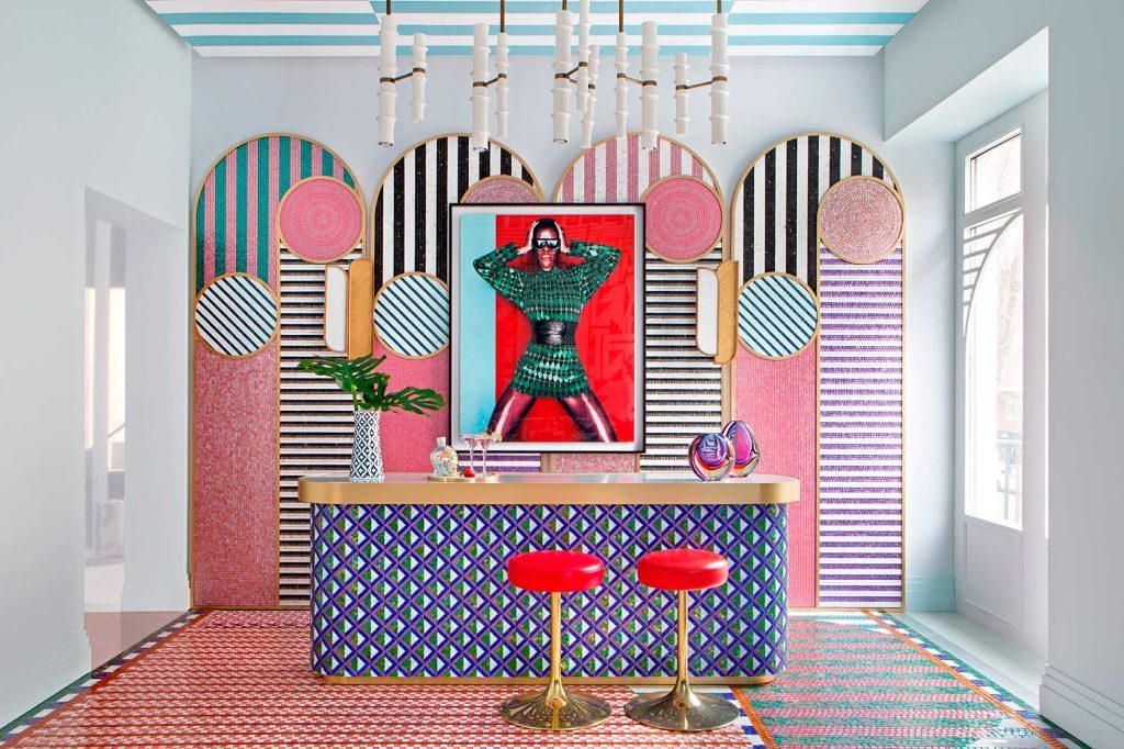 "Salón-bar ""Punk Revolution"" – Espacio SICIS para Casa Decor 2019"