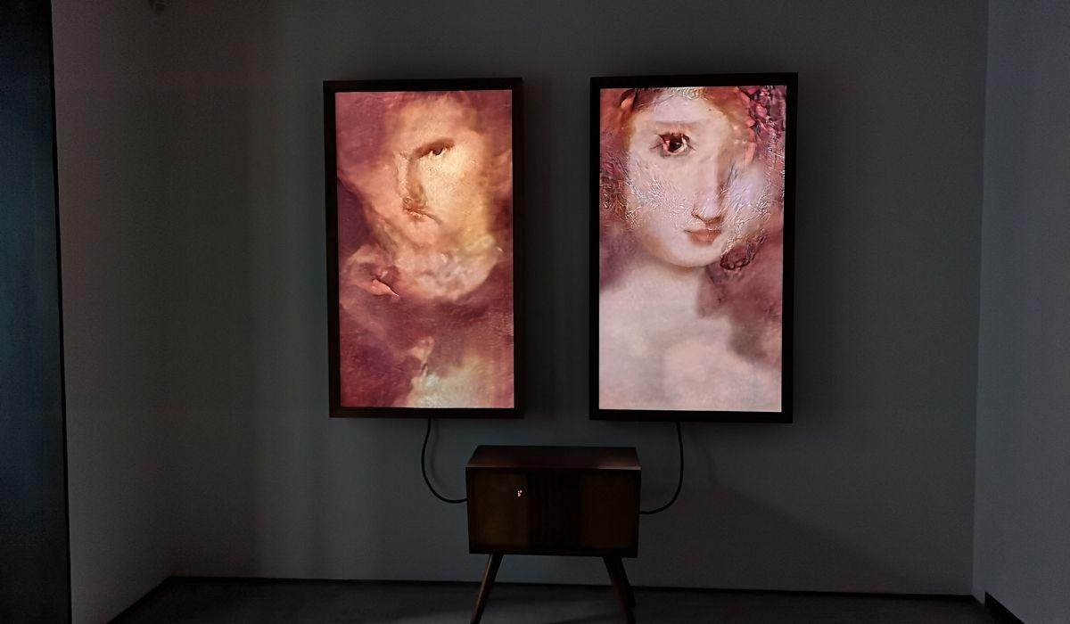 """""""Memories of Passerby 1"""" de Mario Klingemann en Espacio SOLO"""