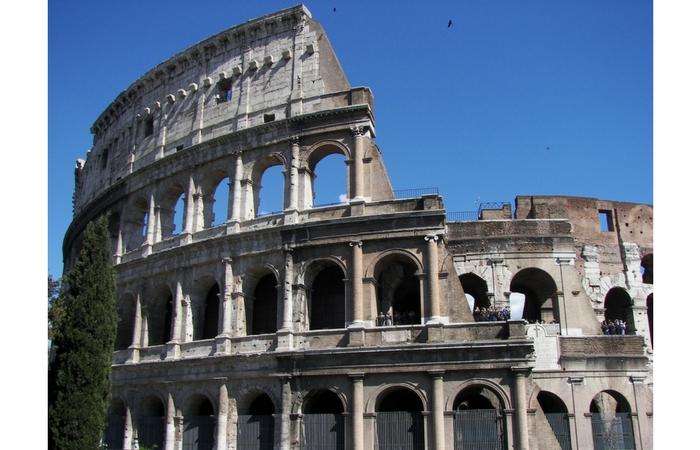 Coliseo en Roma. Foto Wknight94