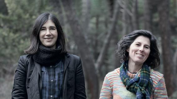 María Blasco y Mónica Salomone, coautoras de Morir Joven, a los 140