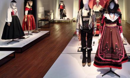 Los trajes tradicionales españoles de paseo por París