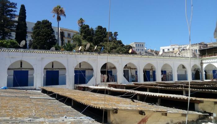 Zona de telares en el Fondouk Chejra de la Medina