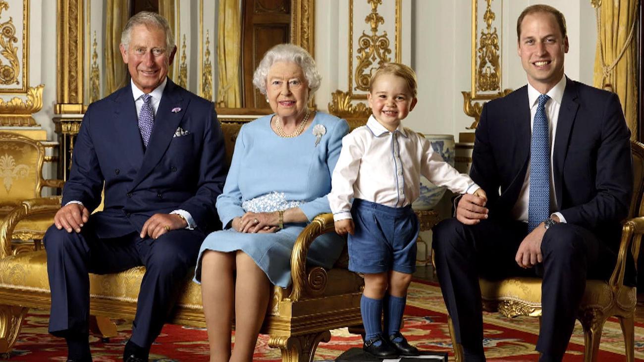 Retrato de la familia real británica en ocasión de la celebración del 9O cumpleaños de la reina Isabel II. Foto: Twitter @BritishMonarchy/Ranald Mackechnie