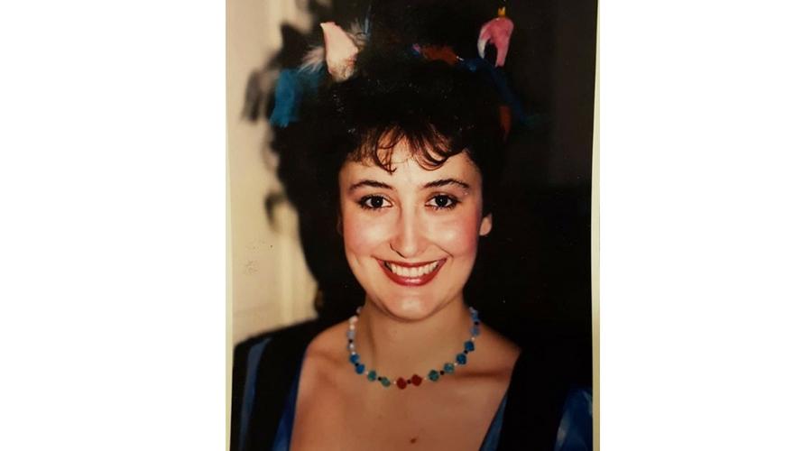 """Cuando la vida comenzaba a irle en serio... """"En Viena hace muchos años como Papagena en La flauta mágica de Amadeus Mozart. El Maestro era Manuel Hernández Silva"""". Foto publicada en @mariajosemontielbarcia"""