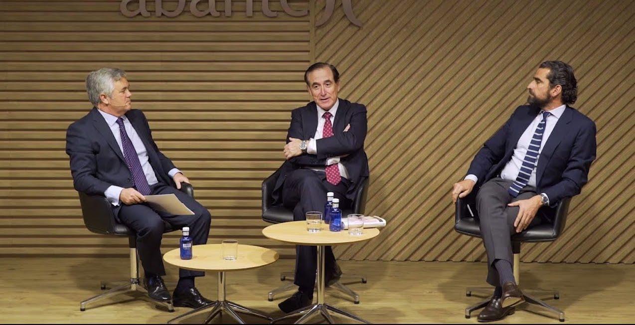 """Charla con Antonio Huertas e Iñaki Ortega sobre su libro """"La revolución de las canas"""", presentado en Abante, mayo 2019"""