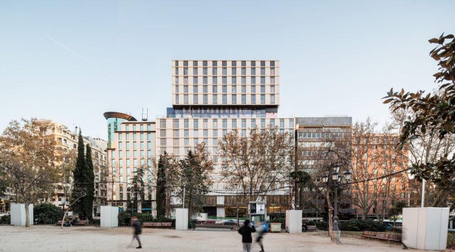 HOTEL VP PLAZA DE ESPAÑA  de b720 Fermín Vázquez Arquitectos (2018) ©Adrià Goula/Open House Madrid